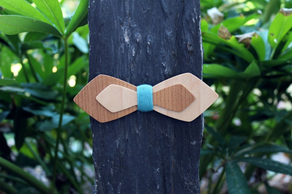 Noeud papillon slim asymétrique en bois