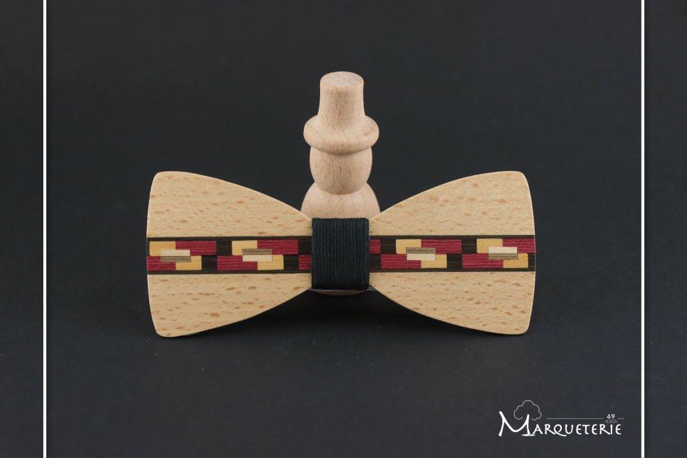 Noeud papillon en bois bordeaux