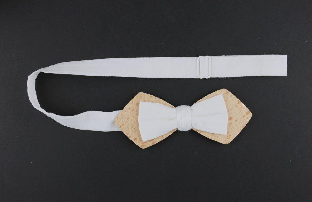 Noeud papillon en bois et tissu blanc uni