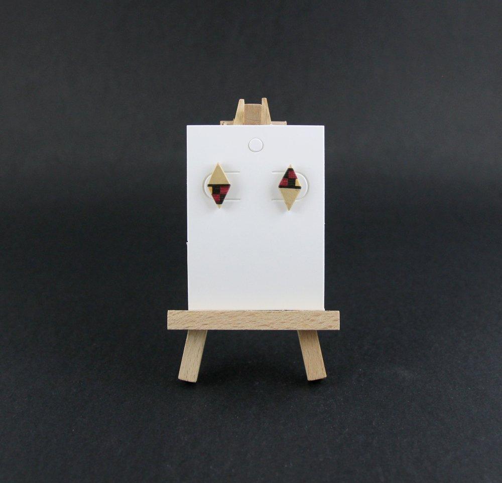 Puces d'oreille en bois, clous d'oreille losange en bois et filet de marqueterie bordeaux