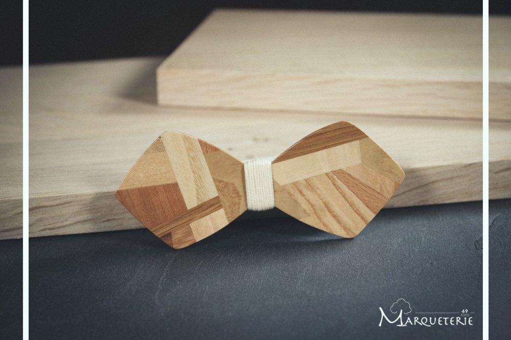 Noeud papillon en bois mosaïque patchwork de bois et fil écru/crème/beige