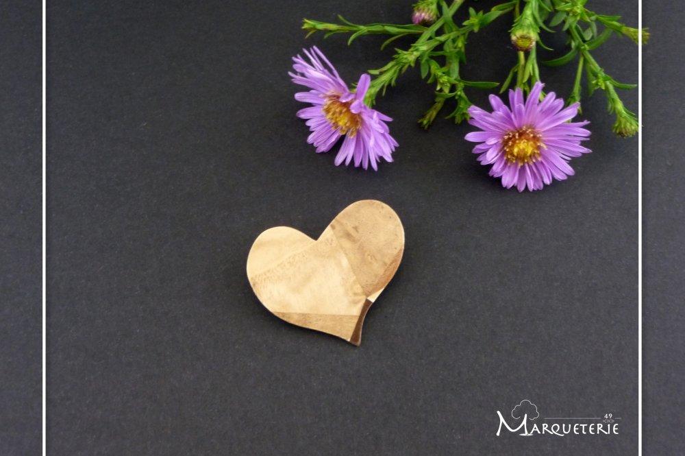 Broche coeur en bois pour cadeau de St Valentin ou noces de bois