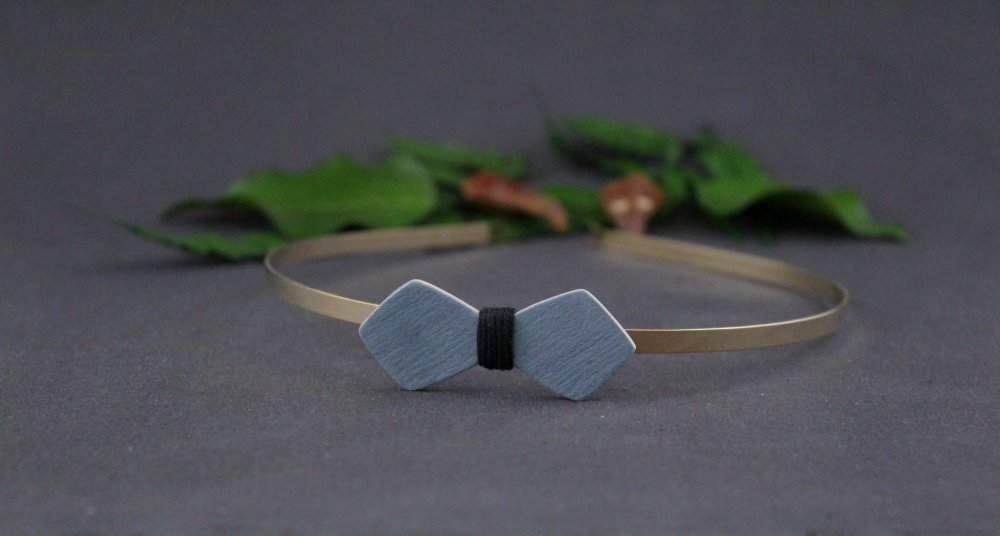 Serre tête noeud papillon en mosaïque de bois et fil bordeaux