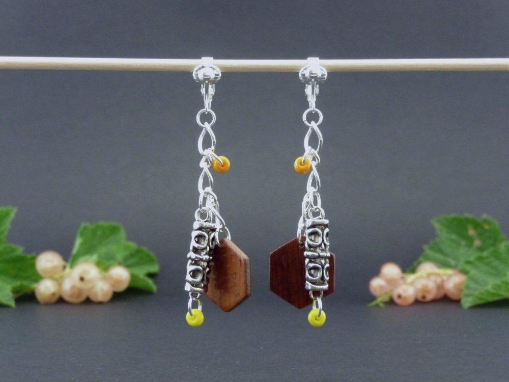 Clips d'oreille en bois orange et grande perle métal tibet
