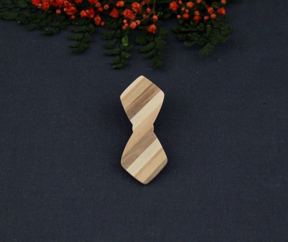Pince cravate en bois, en forme de noeud papillon bois