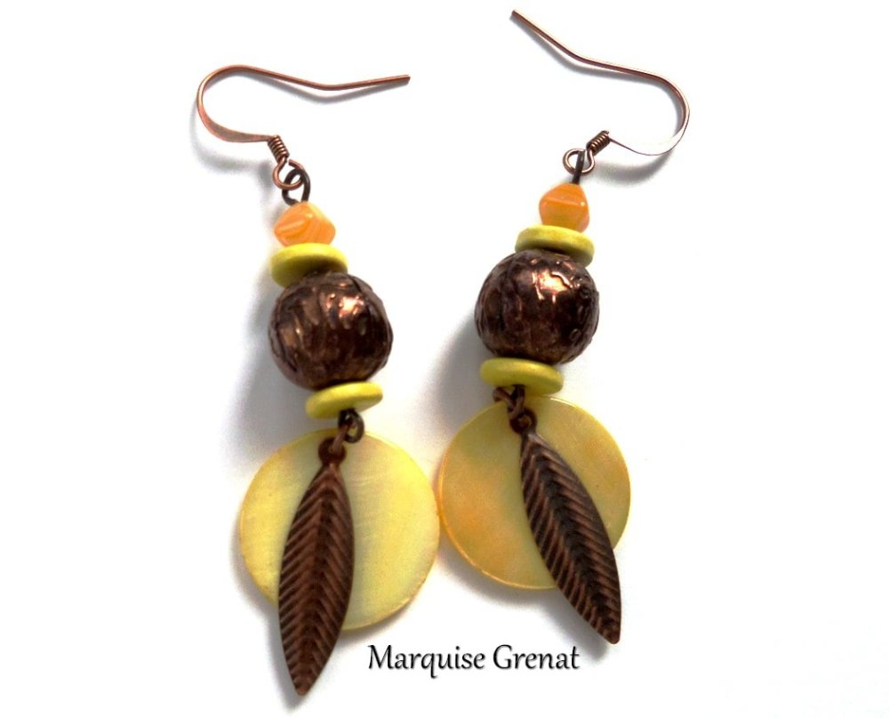 Boucles d'oreilles hippie chic jaunes cuivrées à sequins et feuilles