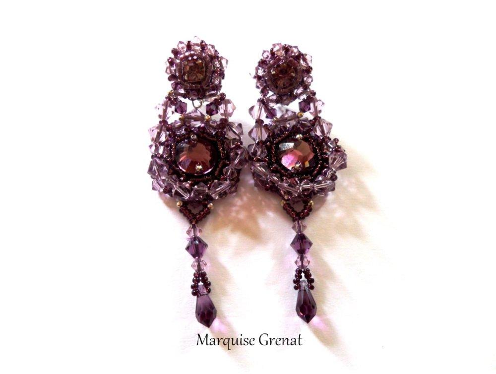 Clips d'oreilles brodés baroques en argent et cristal Swaroski mauve et prune