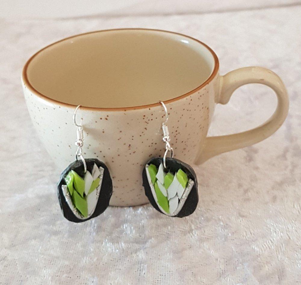 Boucles d'oreilles vertes et blanches mosaique ardoise et verre