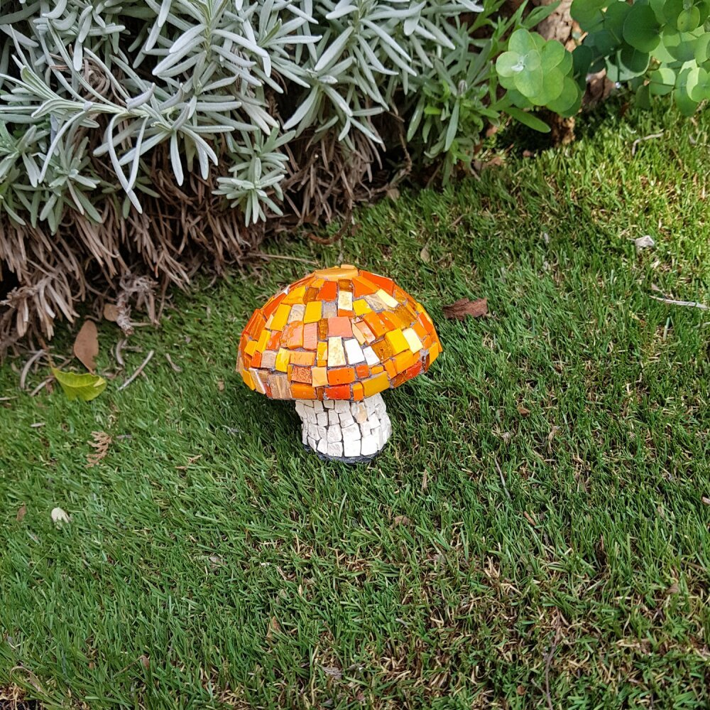 Champignon décoratif mosaique pate de verre et verre orange