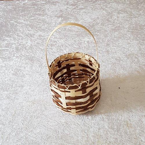Petit panier - cache pot - couleur naturel et marron  rotin et dentelle