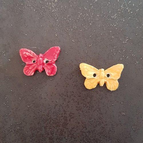 Lot de 2  boutons pour couture papillons jaunes et rouges en  ceramique faience