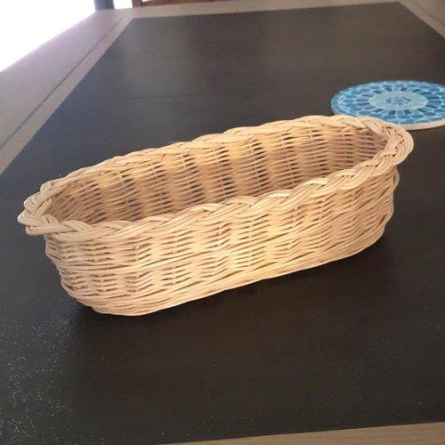 Corbeille à pain allongée  - panière - ovale  en rotin couleur naturel écru - fait main