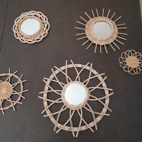 Au choix - décorations murales - miroirs décoratifs ronds formes fleurs - en rotin naturel ivoire fait main