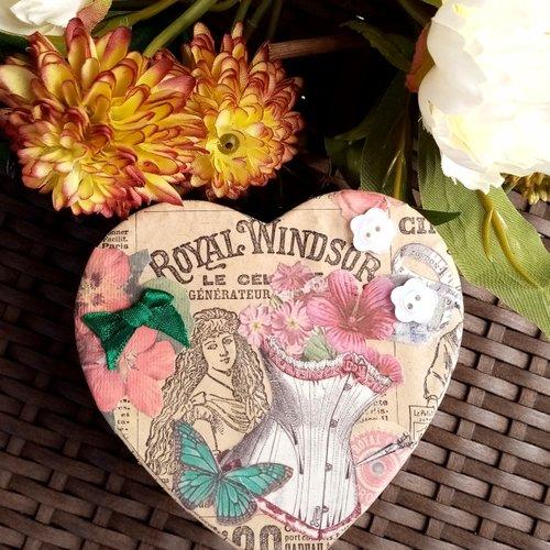 Boite décorée : esprit vintage,rétro,victorien