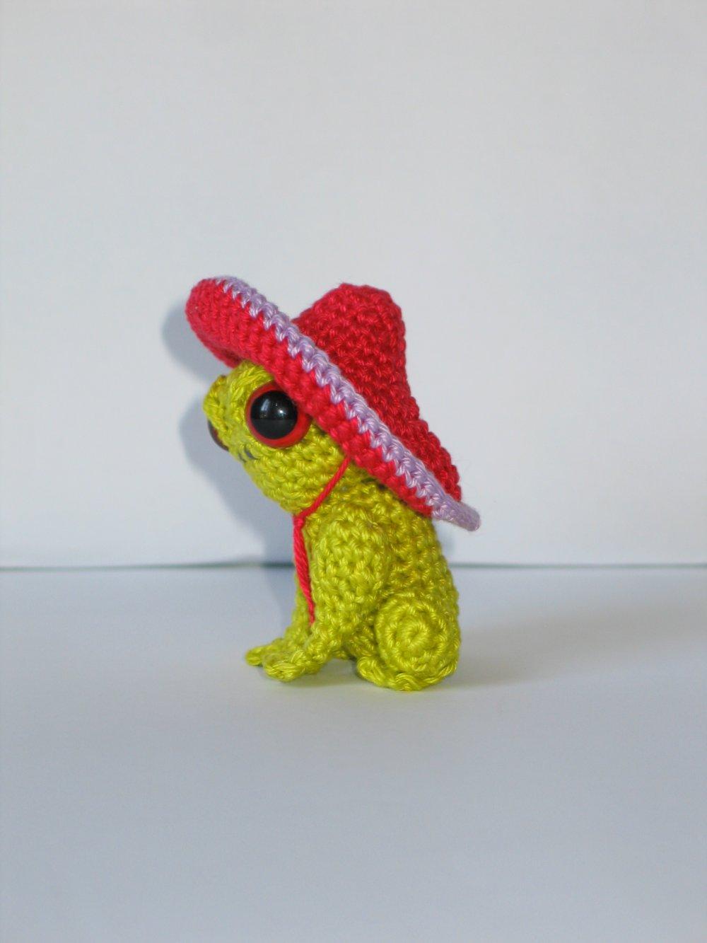 Grenouille au crochet et sombrero