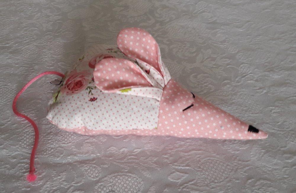 """Coussin de lavande  Souris décorative """" Roses et pois""""  tons blanc et rose n° 12"""