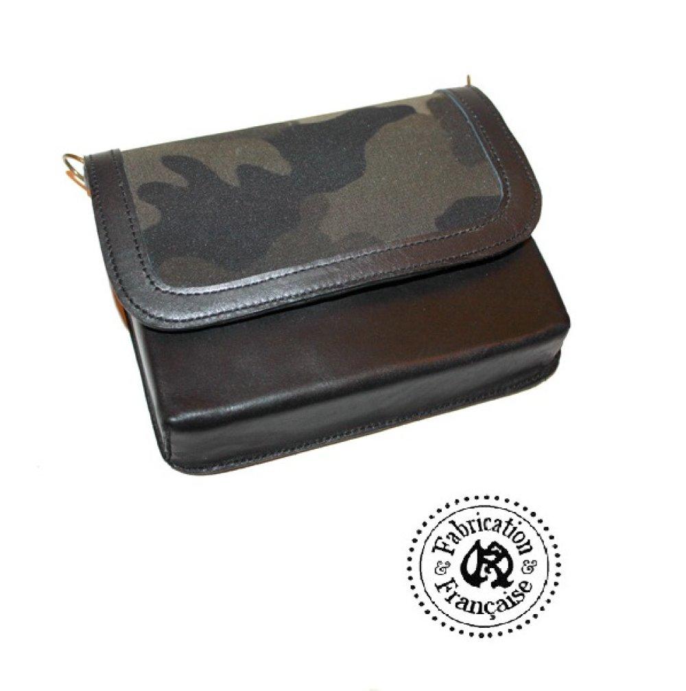 Mini sac à main pochette bandoulière 16 x 13 x 3 cm modulable en  besace cuir noir et tissu imprimé camouflage