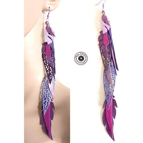 1 longue boucle d'oreille unique solo 20 cm style dentelle de cuirs tons violet lilas aubergine