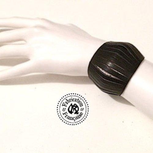 Bracelet petite manchette en cuir noir style design effet ressors