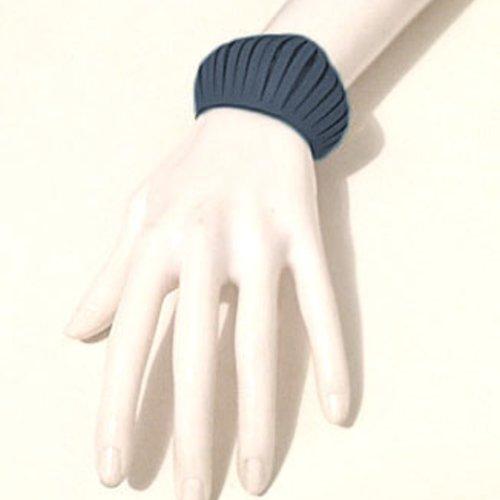 Bracelet petite manchette en cuir bleu jeans style design effet ressors