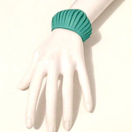 Bracelet petite manchette en cuir turquoise style design effet ressors