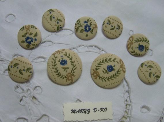 """9 Boutons recouverts de tissu """"motifs anciens """" 22 et 32mm"""