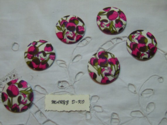 "6 Gros Boutons tissu à coller ""Boutons fleurs roses ""32mm"