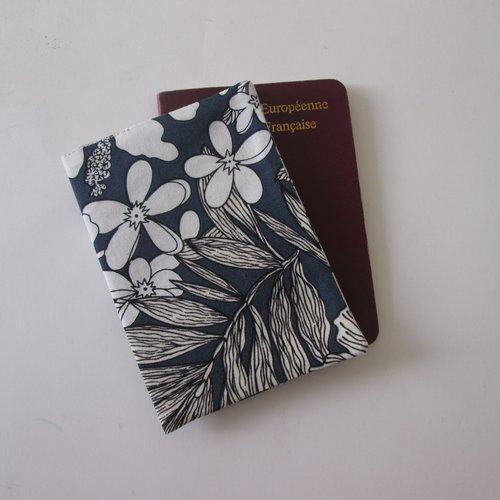 Protège passeport motif floral exotique