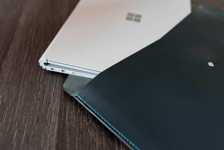 Housse d'ordinateur surface book 2 en cuir Bleue