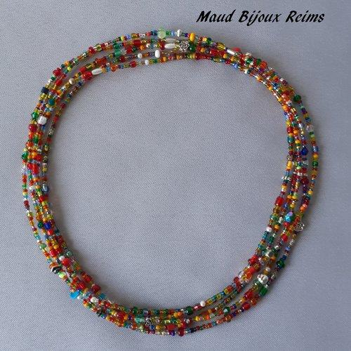 Très grand collier multicolore et lumineux avec perles fantaisie et de rocailles, à porter de plusieurs manières.
