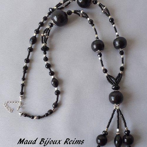 Grand sautoir noir et argent avec grosses perles noires faites main ultra légères.