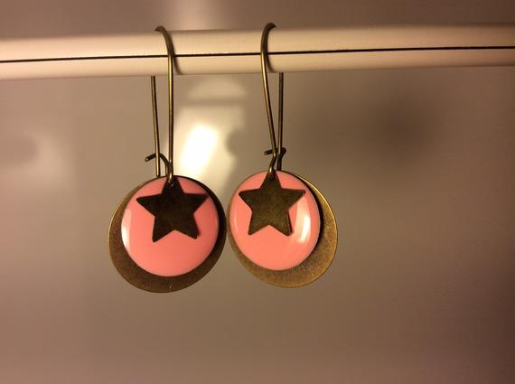 Boucle d'oreille sequin rose étoile Bo36