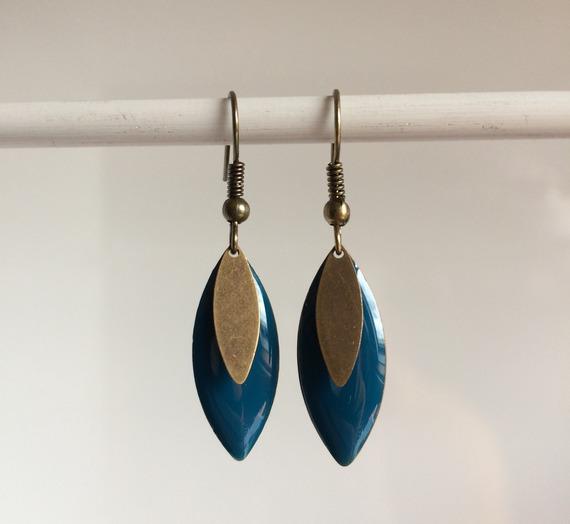 Boucle d'oreille navette bleu Bo23