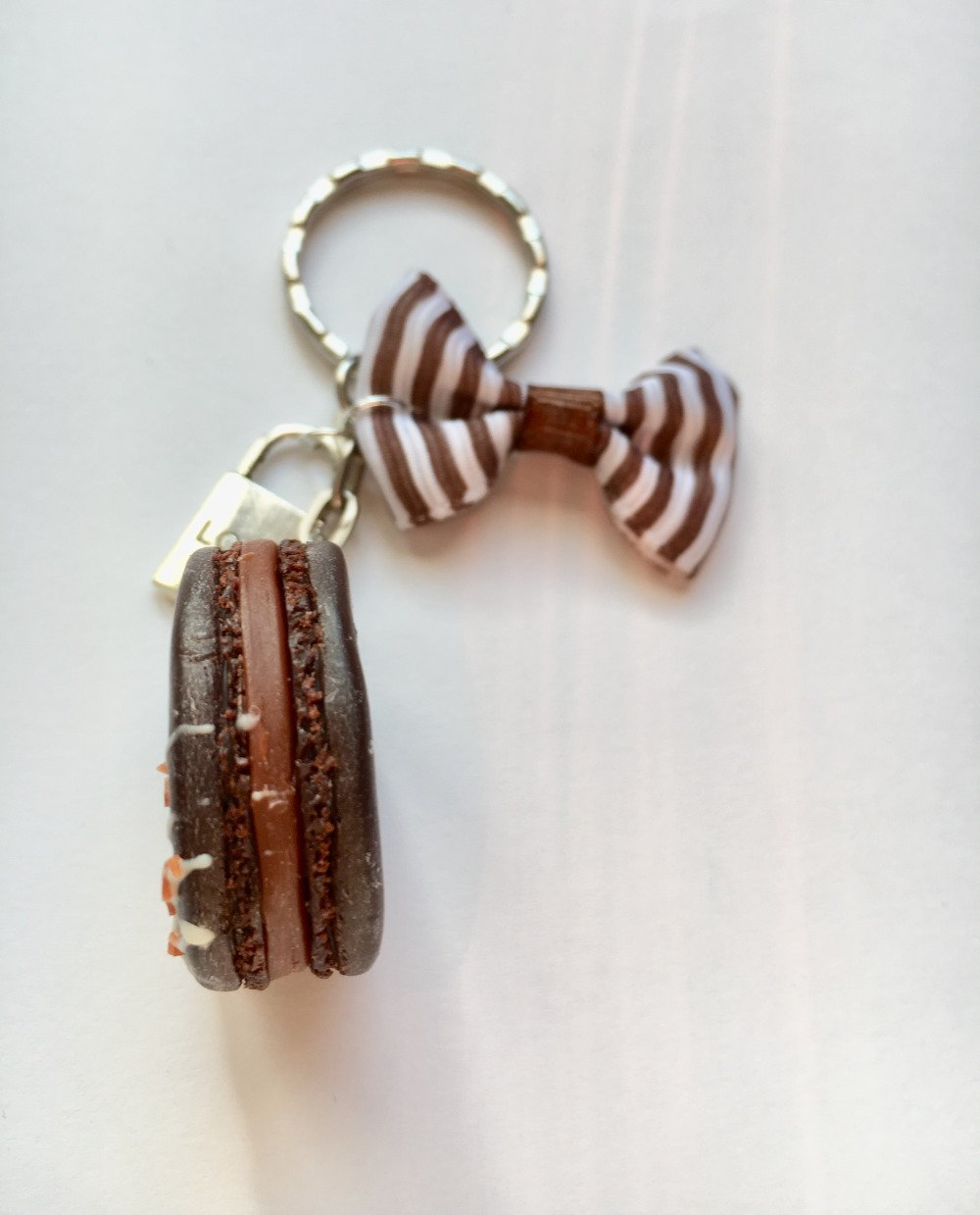 porte-clés macaron chocolat