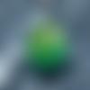 Collier goutte en résine galaxy pétri vert emeraude, pièce unique