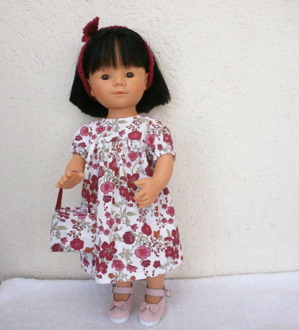 Habits poupée Marieta (35 cm) : robe fleurie tons bordeaux