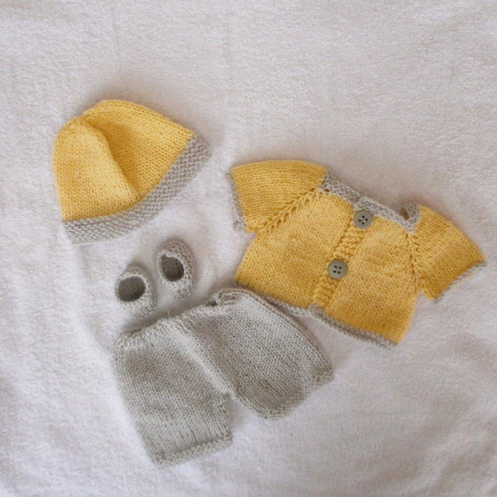 Habits poupon 30 cm - tenue layette (jaune - gris)