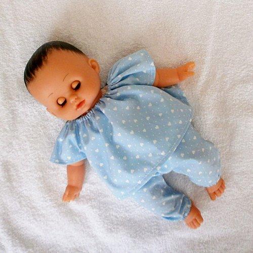 Vêtements pour poupon petitcollin - pyjama bleu coeurs