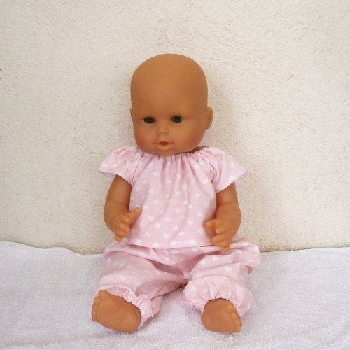 Vêtements poupon 36 cm corps vinyle - pyjama rose coeurs