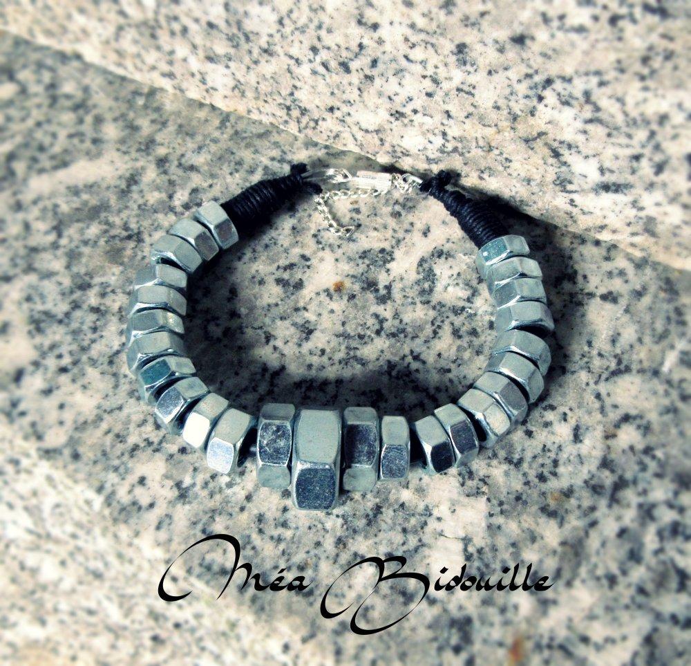 Bracelet avec écrous