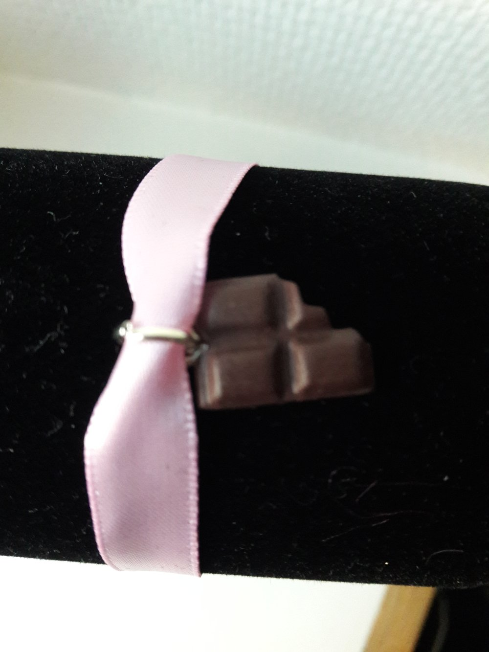 Bracelet chocolat ruban rose clair