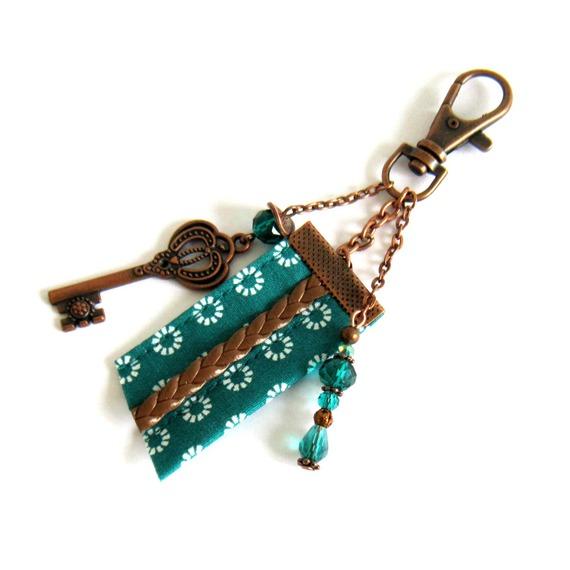 Bijou de sac vert émeraude et cuivré, style rétro, coton, cristal