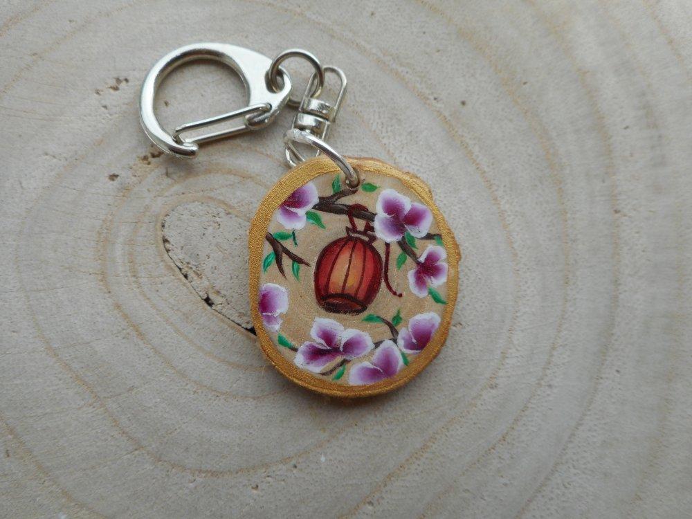 Porte clé peinture sur bois clanterne & fleurs one stoke