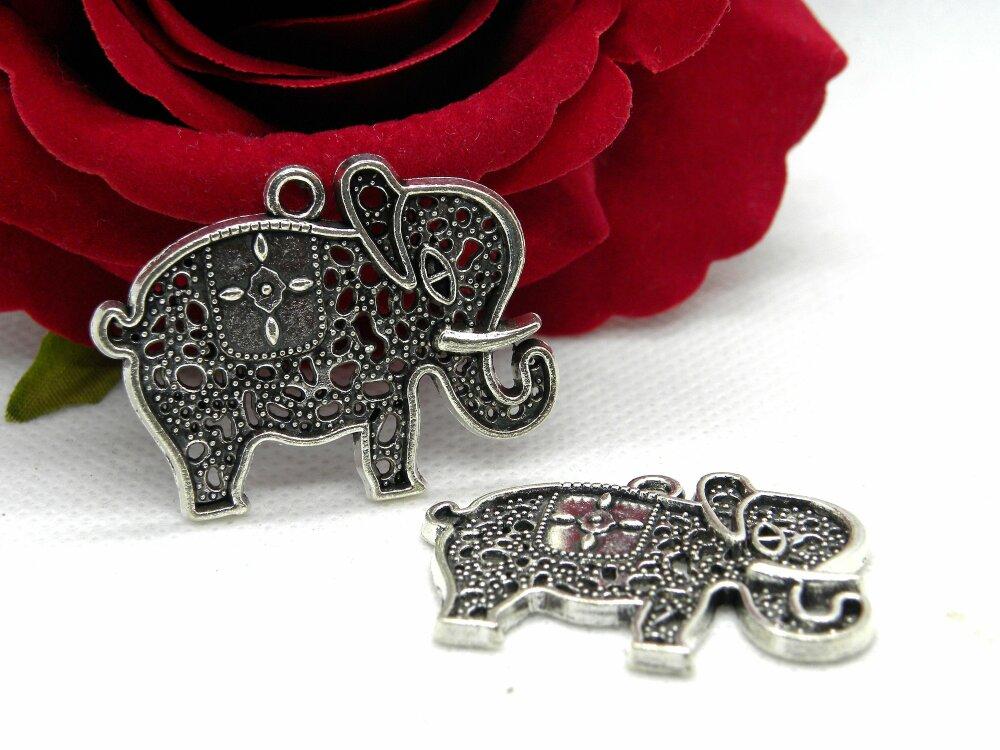 éléphant indien argenté, Pendentif éléphant stylisé, éléphant argent tibétain, pendentif hippie bohème, pendentif éléphant, éléphant, hippie