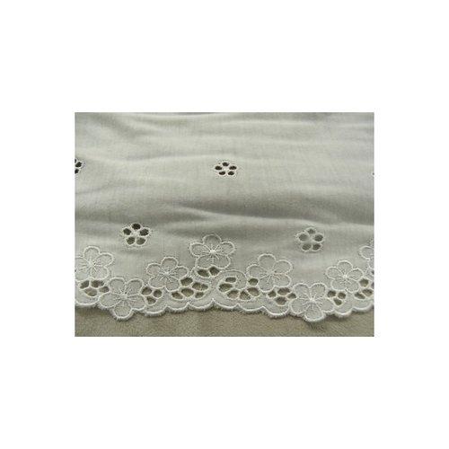 Broderie coton blanche,13 cm /hauteur de broderie 3,5 cm,sur jersey de coton