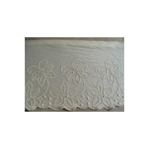 Dentelle / broderie vintage écru, sur jersey de coton, 16 cm /hauteur de broderie 6 cm