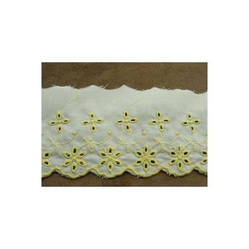 Broderie anglaise coton fond blanc jaune 7 cm / hauteur de broderie:5 cm