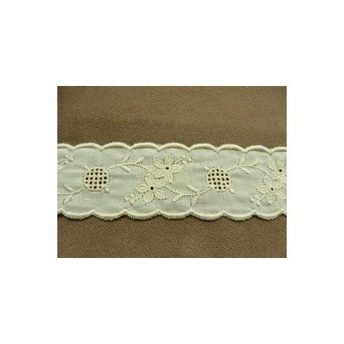 Broderie anglaise vintage coton écru entre 2- 3,5 cm