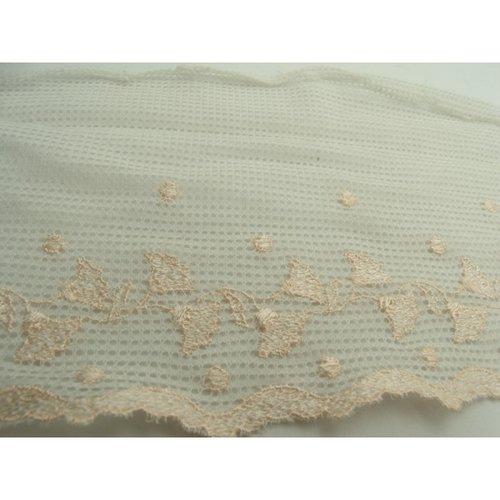 Broderie blanche coton brodée saumon, 13 cm