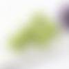 1  breloque pompon fausse fourrure - vert